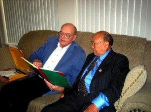 David Kouba visits General Vang Pao for the first time in Fresno, CA on May 13, 2007 to mark their 32nd anniversary since the fall of Long Cheng. Kouba showing General Vang Pao his Laos diary dating May 9–11, 1975. (Photos courtesy of David Kouba/Tua Vang)