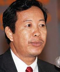 Mr. Rong Chhun, President of the Cambodian Confederation of Unions will be in Saint Paul from April 11-13.